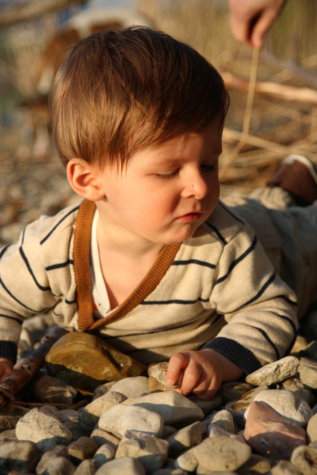 Jakob kostet auch Steine